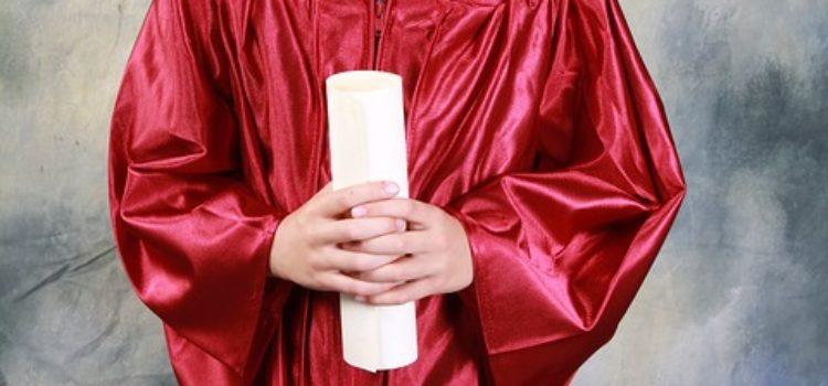 Cartellino rosso per 39 scuole paritarie; una riflessione sulla linea di LAIF